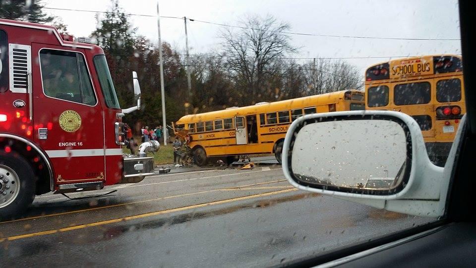 Knoxville Police Department investigating fatal bus crash, 4 patients still at UT Medical Center_1316