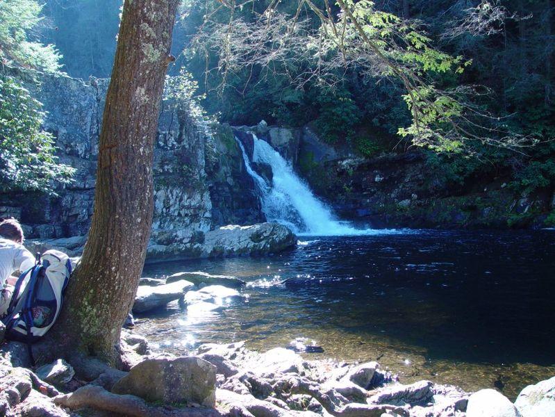 Smoky_Mountains_National_Park_Abrams_Falls_18-11-2005_-_panoramio_206194