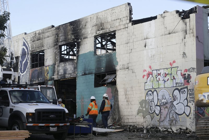 CALIFORNIA WAREHOUSE FIRE_253168