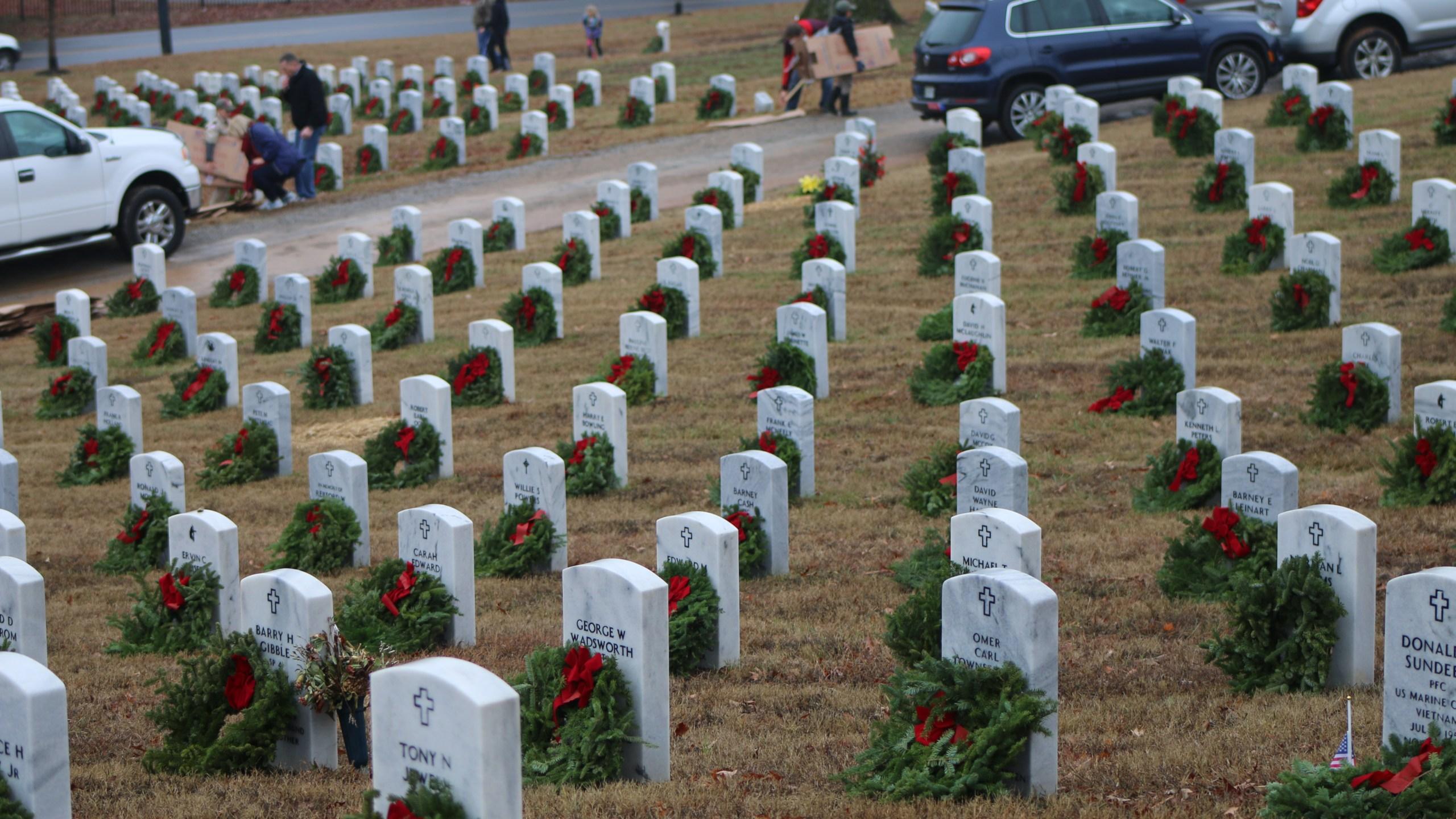 Wreaths Across America_254976