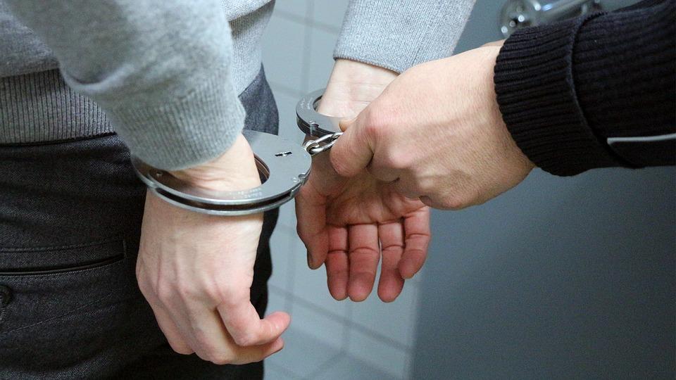 Handcuffs_362829