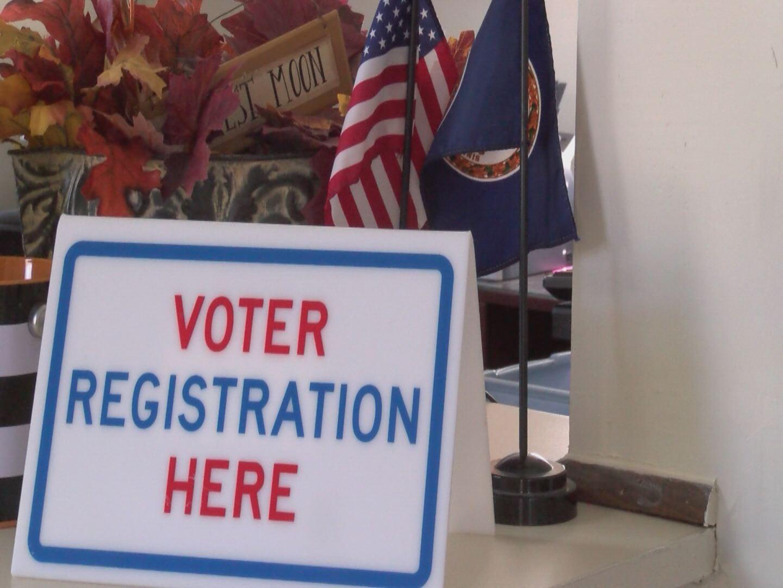 voter-registration-sign_238249