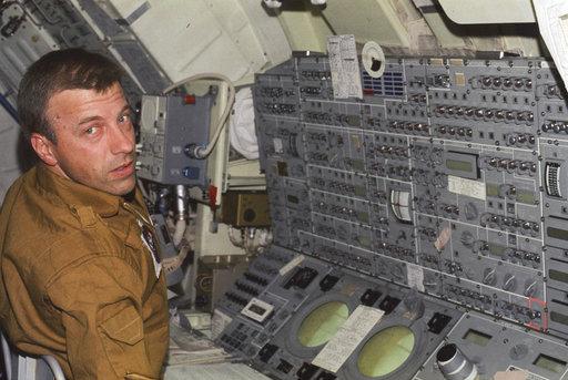 Obit Challenger Astronaut_1508923695154