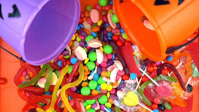 Halloween Trick Or Treat Candy Overhead Jack-o-lantern Buckets_371920