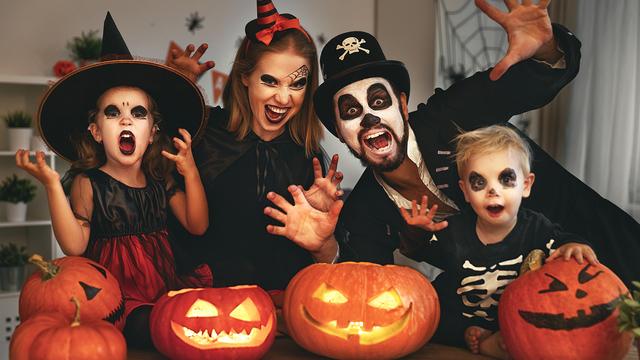 halloween2520family_1508778197668_309994_ver1-0_28176108_ver1-0_640_360_1509035422273.jpg