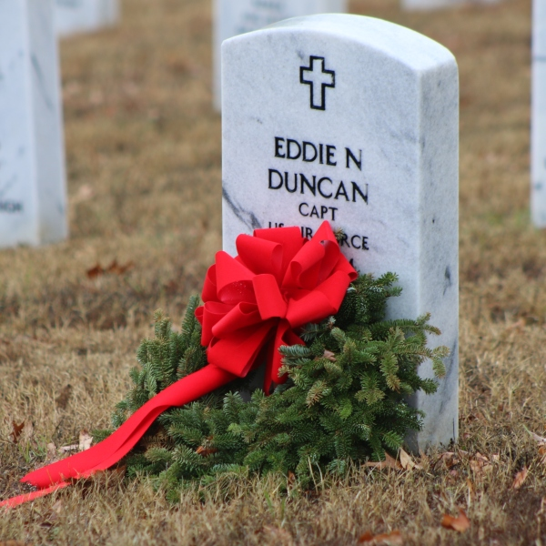 Wreaths Across America_254959