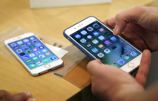 Apple-Qualcomm_1513871554573