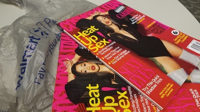 Cosmopolitan_magazine_walmart_checkout