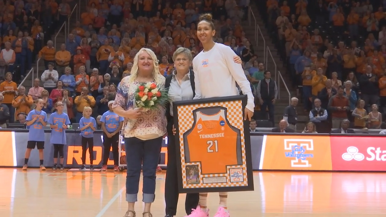 Mercedes Russell and her mom, Tammy Hill, on Senior Day