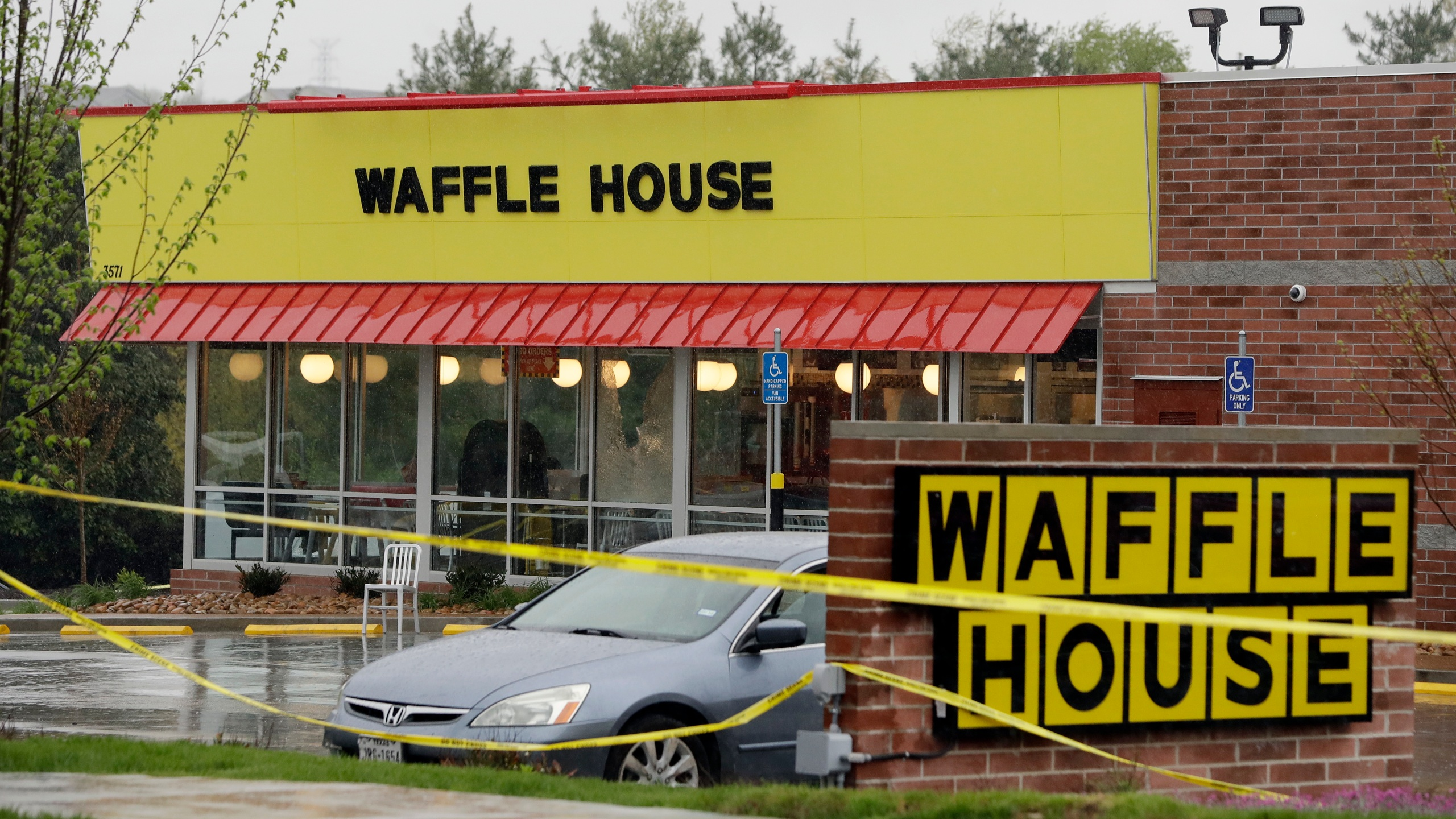 Waffle_House_Shooting_63744-159532.jpg53363007