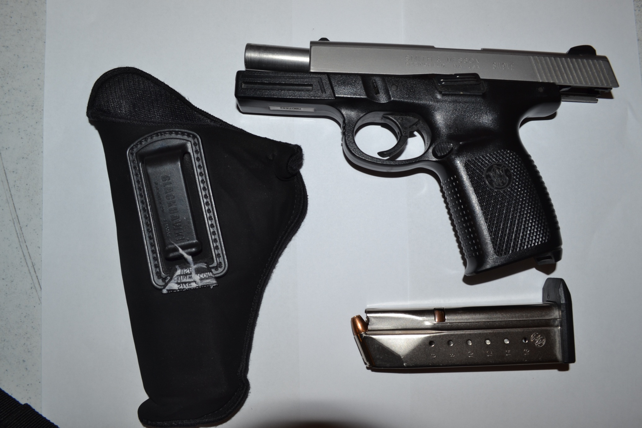 Suicide prevention campaign targets gun stores_101367