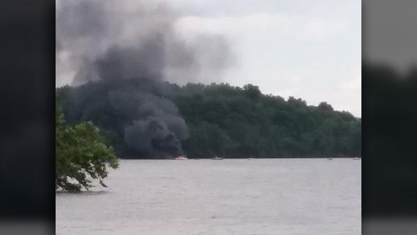 boat-fire_1529705024196.jpg