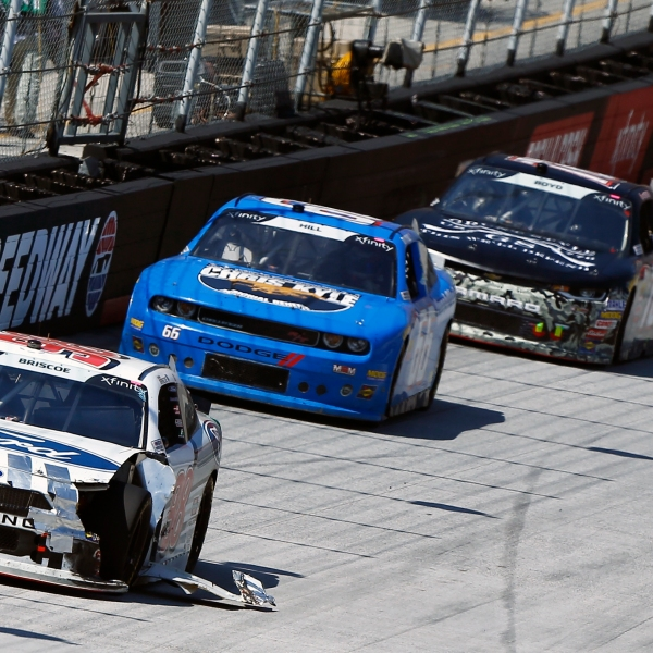 NASCAR_Bristol_Xfinity_Auto_Racing_37326-159532.jpg01785215