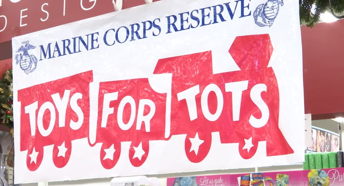 toys for tots_170018