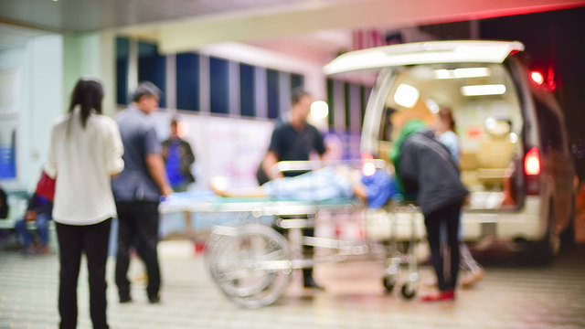 EMERGENCY PATIENT GOING TO HOSPITAL_KRON_Hosptial Prices Going Public in 2019_1226_1545854742106.jpg.jpg