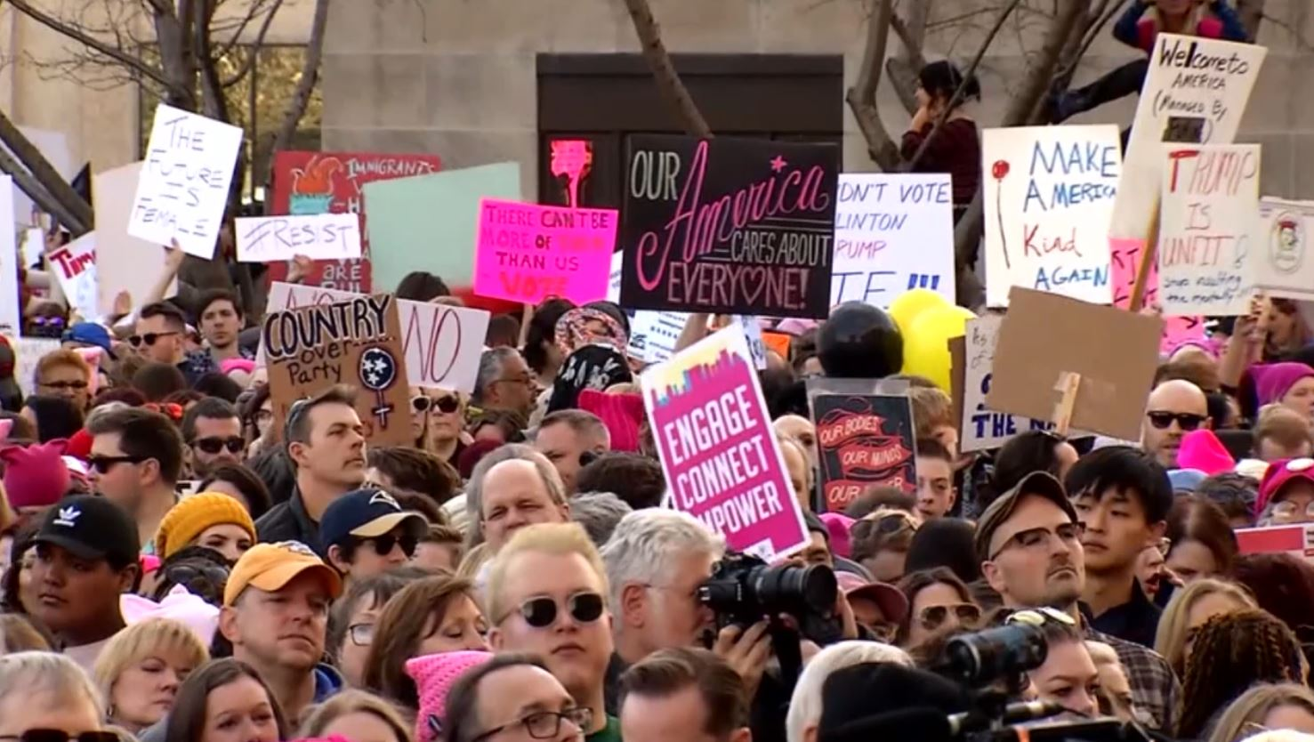 COVER PHOTO_Womens March in Knoxville to be held Saturday_0115_1547675516512.JPG.jpg