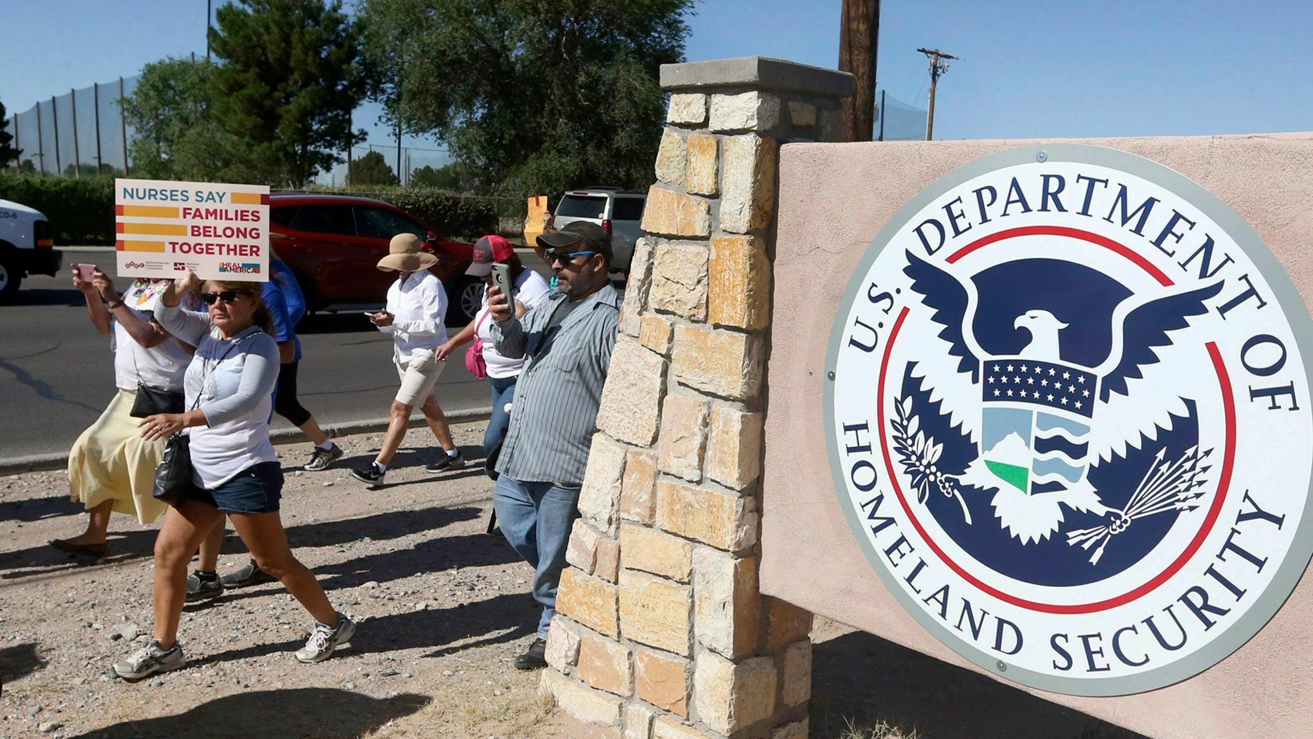 Immigration Force Feeding_1550323385092