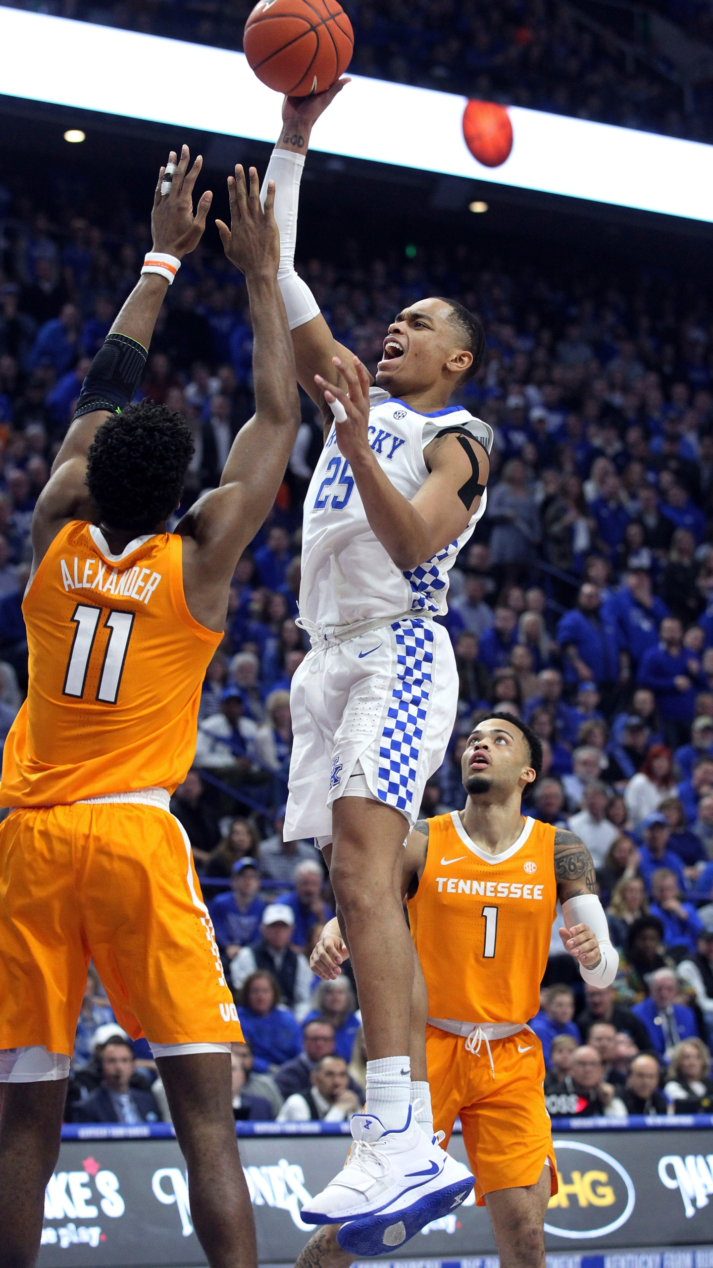 Tennessee Kentucky Basketball_1550380461803