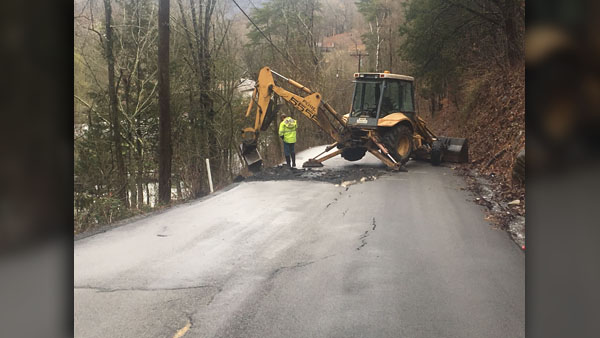 COVER PHOTO_Road closes Grainger Co. sinkhole_TDOT_0222_1550878677122.jpg.jpg
