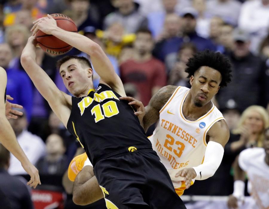 NCAA Tennessee Iowa Basketball_1553454928319