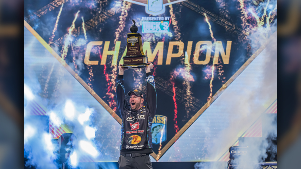 COVER PHOTO_OTT DEFOE KNOXVILLE SON WINS 2019 BASSMASTER CLASSIC_0318_1552948174582.jpg.jpg