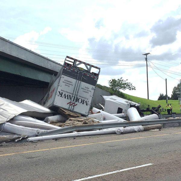 GreenevilleSun-TruckWreck01-190502_1556825901792.jpg