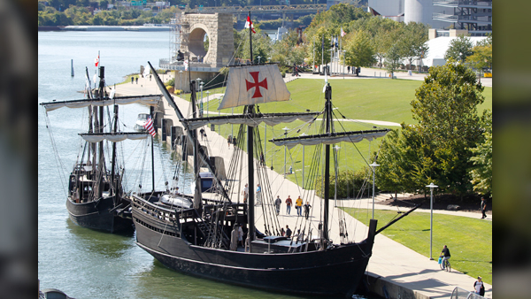 Columbus' replica ships sail down Tennessee River into Knoxville