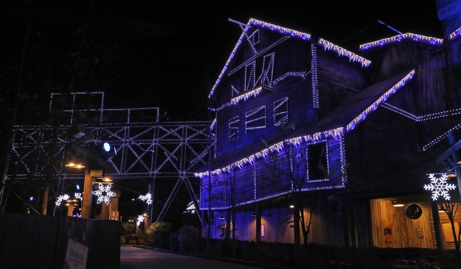 Smoky Mountain Christmas begins Nov. 9