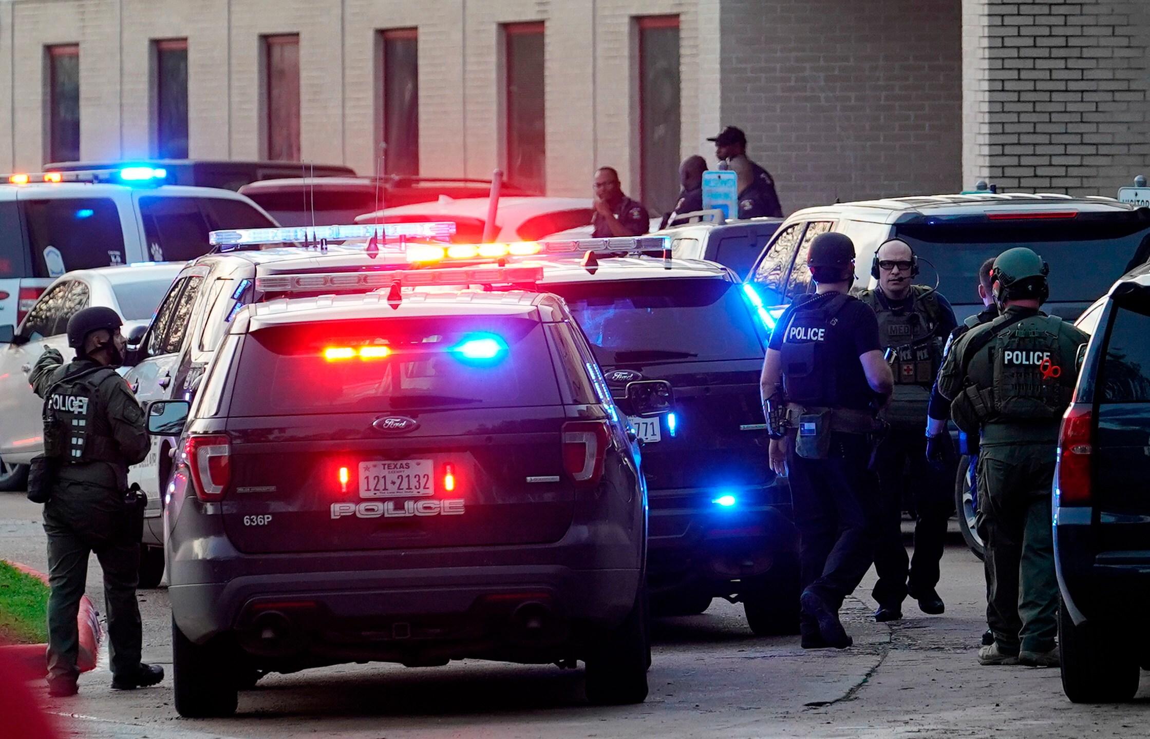 Ass Traffic Teen kent state graduate's gun-toting photo goes viral
