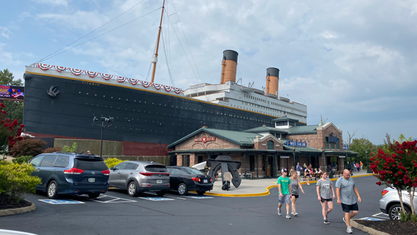three injured at titanic museum attraction in pigeon forge